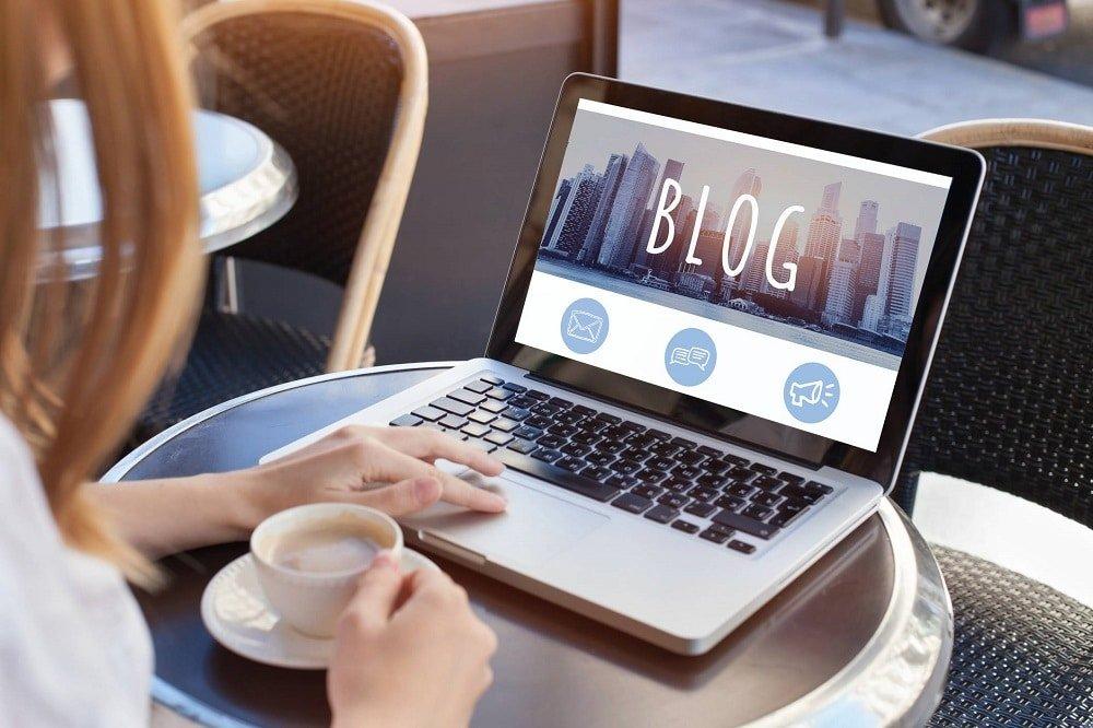 Les étapes clés pour devenir une blogueuse influente et bien gagner sa vie
