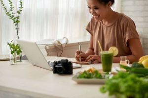 Comment créer un blog qui rapporte de l'argent tous les mois ?