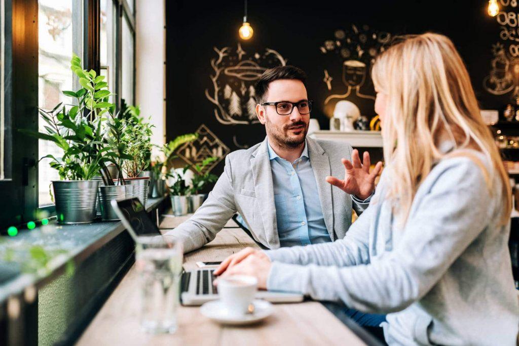 Travailler sur internet : comment faire ? Les métiers, conseils & astuces